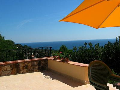 THE VILLA T4 ISSAMBRES FOR RENT: Detached villa, sea view on Saint-Tropez golf with, walk-in access,
