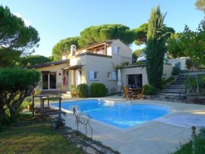 SAINTE MAXIME VILLA FOR SALE T5. In the beautiful area of Nartelle, comfortable home without any work haven of peace, surrounded by nature. 3 bedrooms possibility to make 1 extra, carport plus 2 seats in the garden. House absolutely perfect!