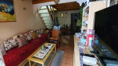 SAINTE-MAXIME, near downtown and beach apartment T3 on the ground floor to renovate, composed of a l
