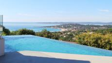 SAINTE MAXIME VILLA T5 FOR SALE. Located at the top of the most beautiful domain of Sainte Maxime this contemporary panoramic sea villa is a haven of peace 3 bedrooms plus mezzanine office with shower rooms. Fully visited by an interior designer. Sauna, spa, heated infinity pool. Cooking on the sea of what to dream.